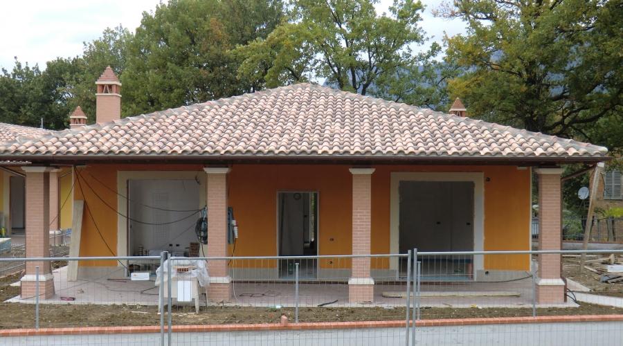 Villa in citt loc palmetta terni villa di 215mq for Come costruire un mazzo di portico anteriore